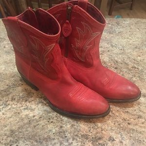Women Ariat Red Low Cut Boots
